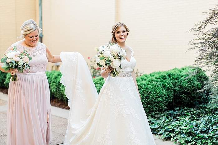 SarahSidwellPhotography_springtimeclassicalcathedralwedding_Nashvilleweddingphotographer_0884.jpg