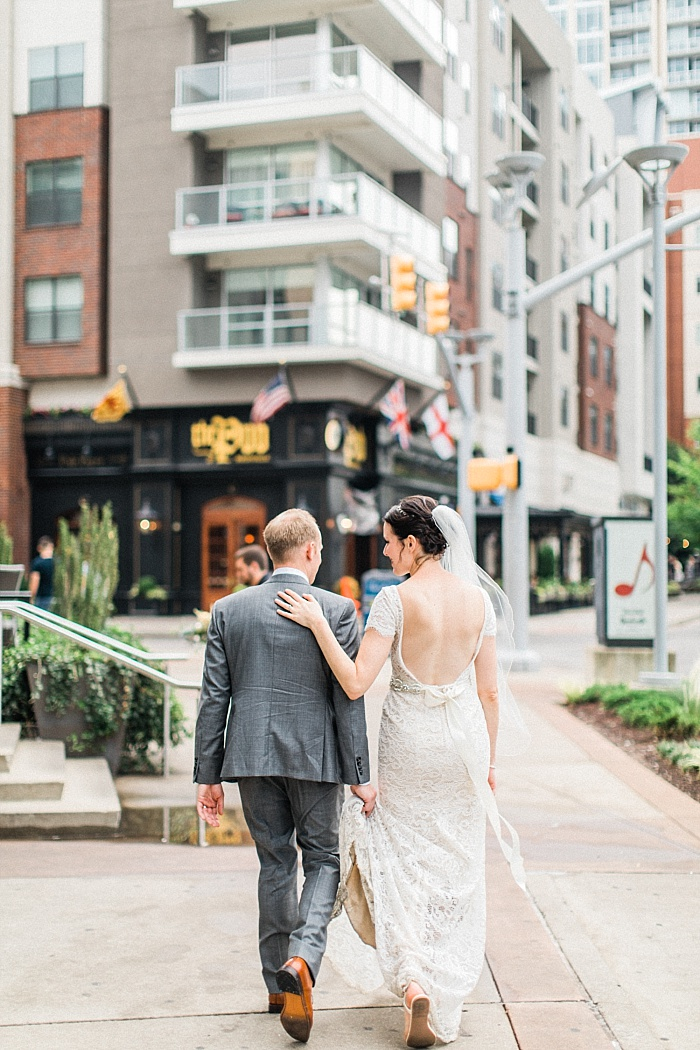 SarahSidwellPhotography_weddingphotosindowntownnashville_Nashvilleweddingphotographer_1056.jpg