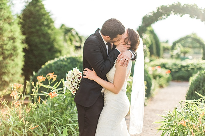 SarahSidwellPhotography_summergardenwedding_Nashvilleweddingphotographer_1222.jpg