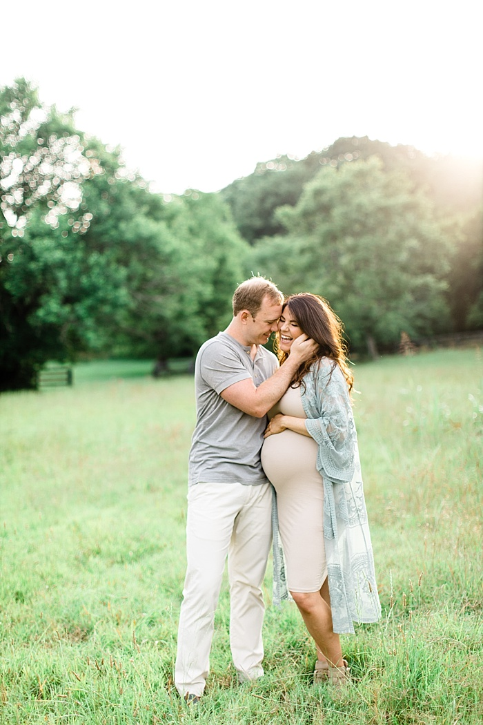 SarahSidwellPhotography_outdoormaternityphotosinawhitedress_Nashvilleweddingphotographer_1282.jpg