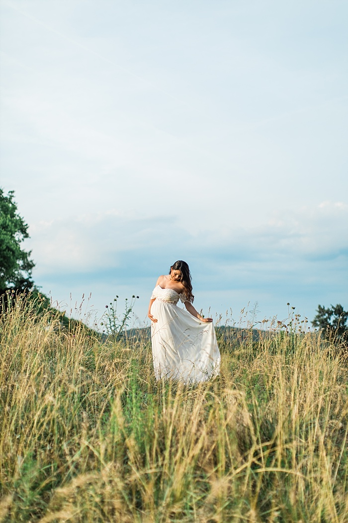 SarahSidwellPhotography_southerncountrysidematernityphotos_Nashvilleweddingphotographer_1290.jpg