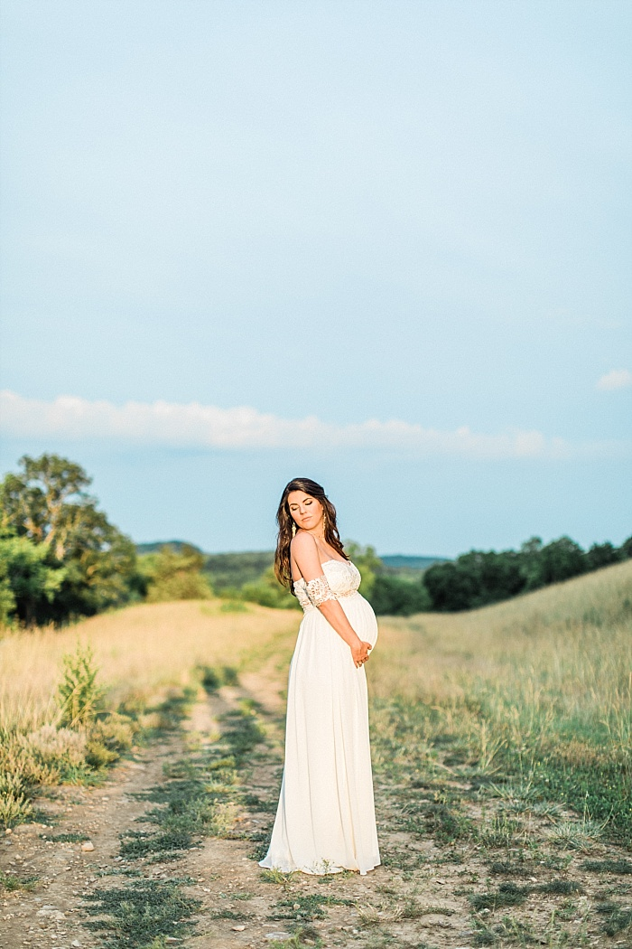 SarahSidwellPhotography_southerncountrysidematernityphotos_Nashvilleweddingphotographer_1297.jpg