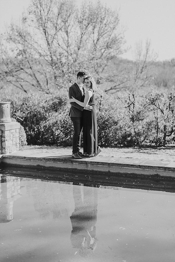 SarahSidwellPhotography_romanticengagementhootatcheekwoodbotanicalgardensinnashvilleinablackdress_Nashvilleweddingphotographer_1428.jpg