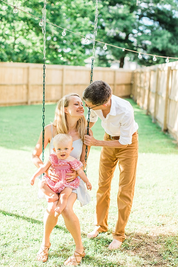 SarahSidwellPhotography_parentsandbabyinbackyardduringthesummer_Nashvilleweddingphotographer_1499.jpg