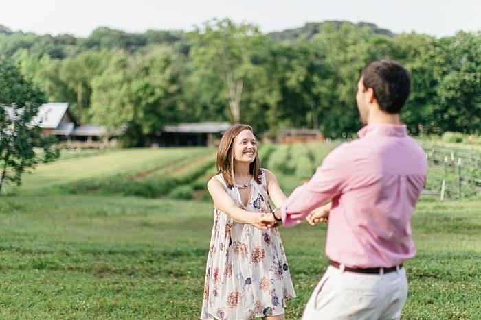 SarahSidwellPhotography_outdoorsummertimeengagementintennesseenashvillephotographer_Nashvilleweddingphotographer_1541.jpg