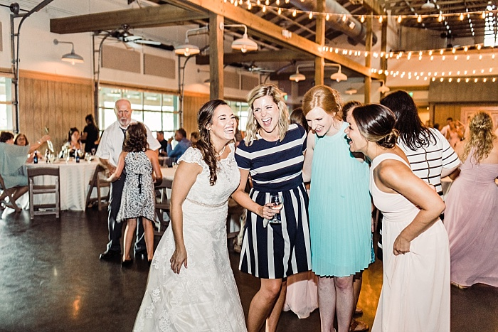 SarahSidwellPhotography_blushsummerweddinginthesouthsouthernwedding_Nashvilleweddingphotographer_1724.jpg
