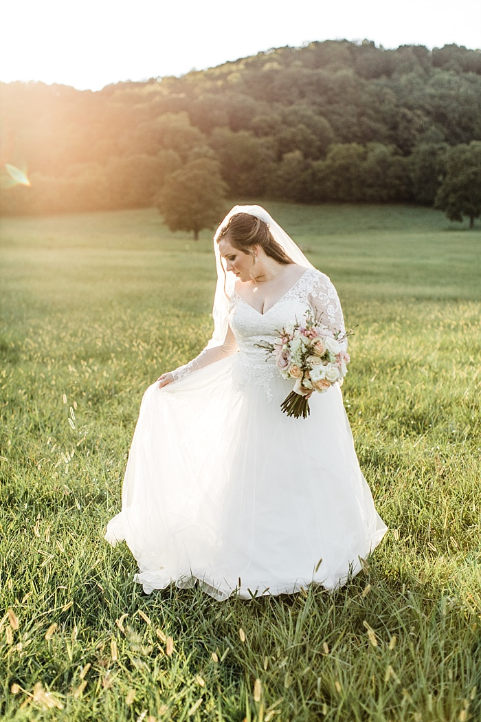 SarahSidwellPhotography_nashvilleoutdoorfloraldesignwedding_Nashvilleweddingphotographer_1808.jpg