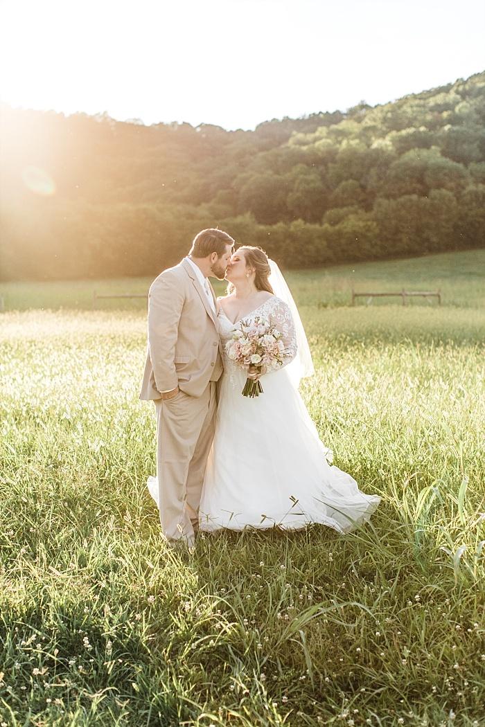SarahSidwellPhotography_rusticandelegantsummerwedding_Nashvilleweddingphotographer_1804.jpg