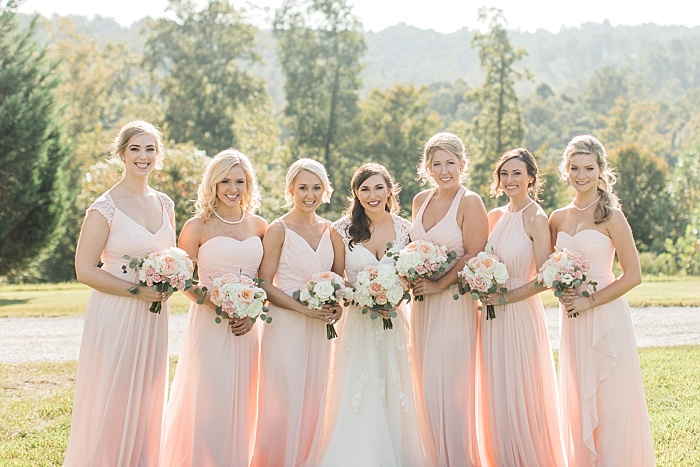SarahSidwellPhotography_nuetralandblushweddingcolors_Nashvilleweddingphotographer_2015.jpg