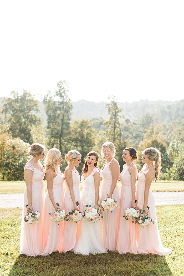 SarahSidwellPhotography_nuetralandblushweddingcolors_Nashvilleweddingphotographer_2017.jpg