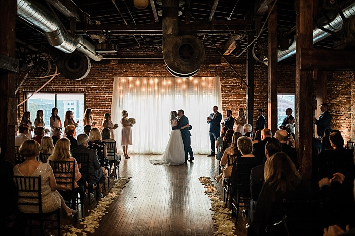 SarahSidwellPhotography_downtownnashvilleindoorwedding_Nashvilleweddingphotographer_2143.jpg