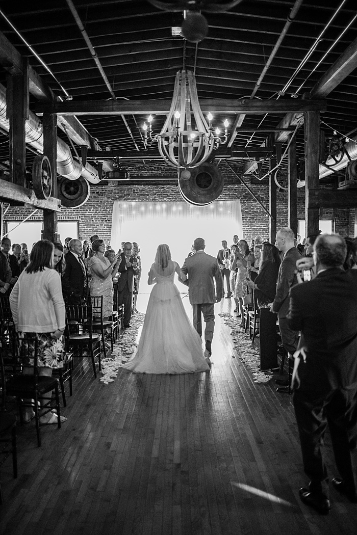 SarahSidwellPhotography_downtownnashvilleindoorwedding_Nashvilleweddingphotographer_2142.jpg
