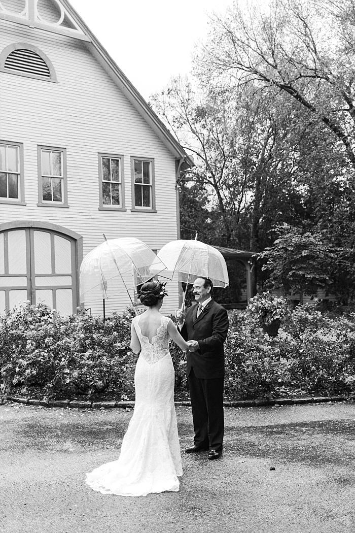 SarahSidwellPhotography_rainyweddingphotographyinnashville_Nashvilleweddingphotographer_2306.jpg