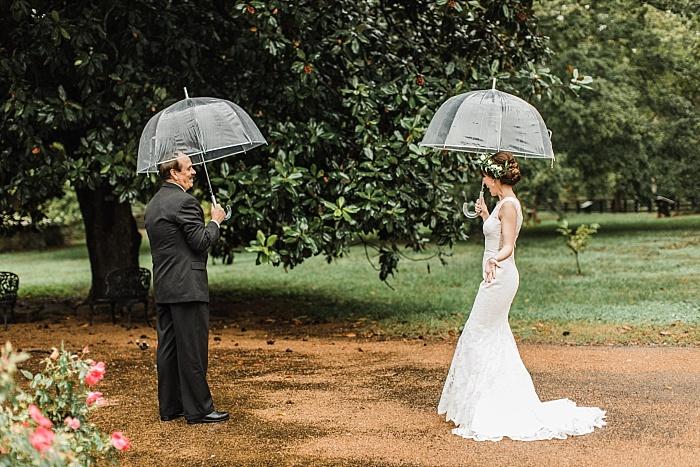 SarahSidwellPhotography_rainyweddingphotographyinnashville_Nashvilleweddingphotographer_2327.jpg