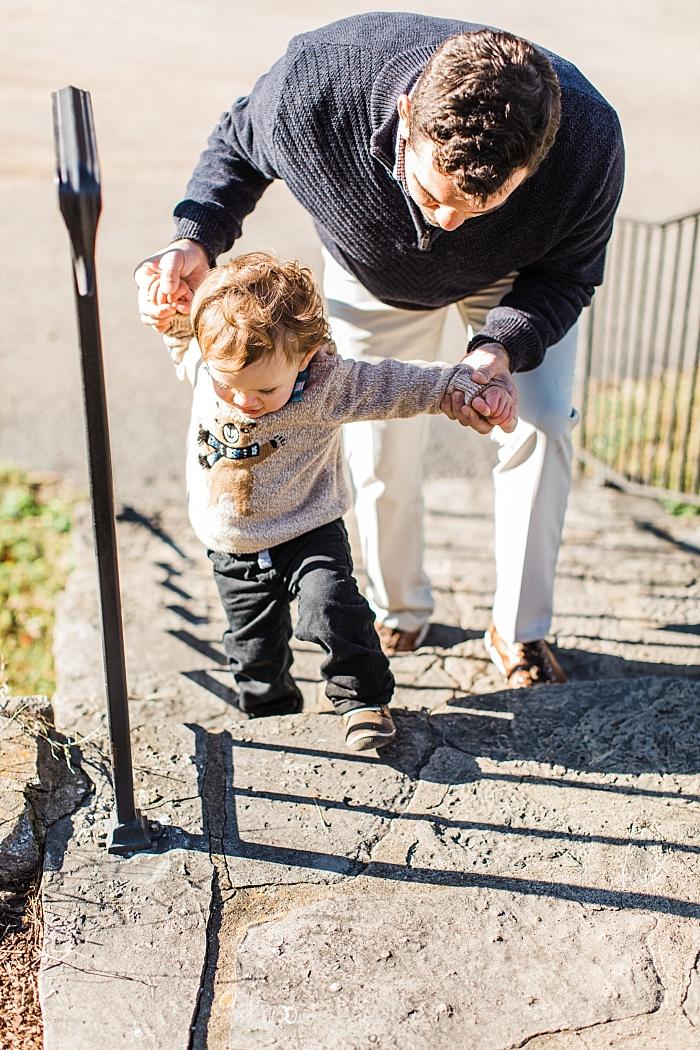 SarahSidwellPhotography_winterfamilyphotoshootinthecountryoftennessee_Nashvilleweddingphotographer_2516.jpg