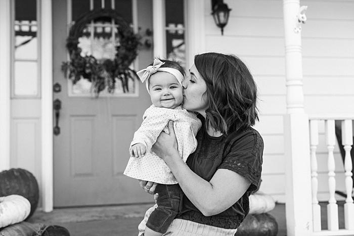 SarahSidwellPhotography_familyphotosonafarminthesouthnashvillephotographers_Nashvilleweddingphotographer_2602.jpg