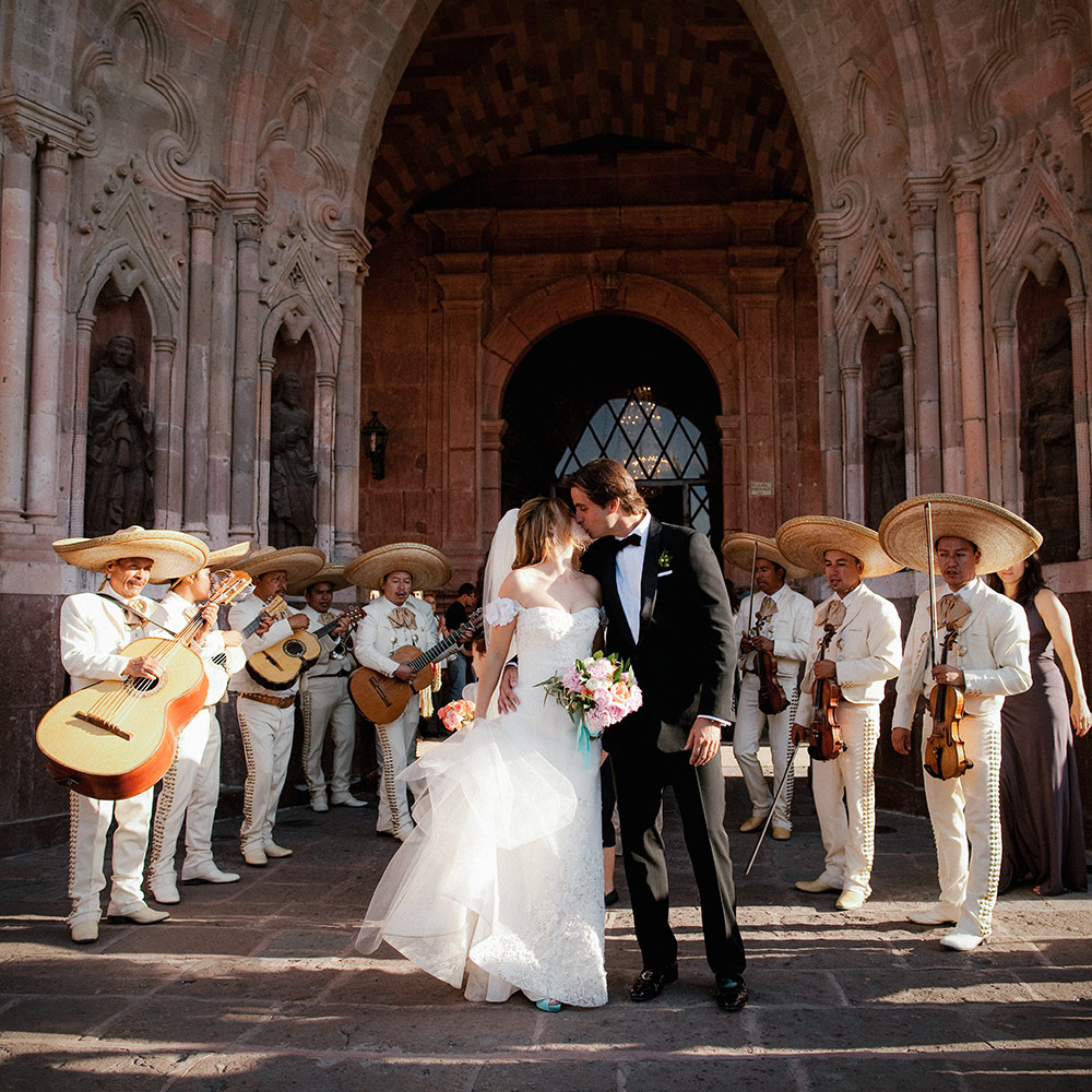 Guadalupe Alvarez of  Penzi Weddings and Events     www.smapenzi.com