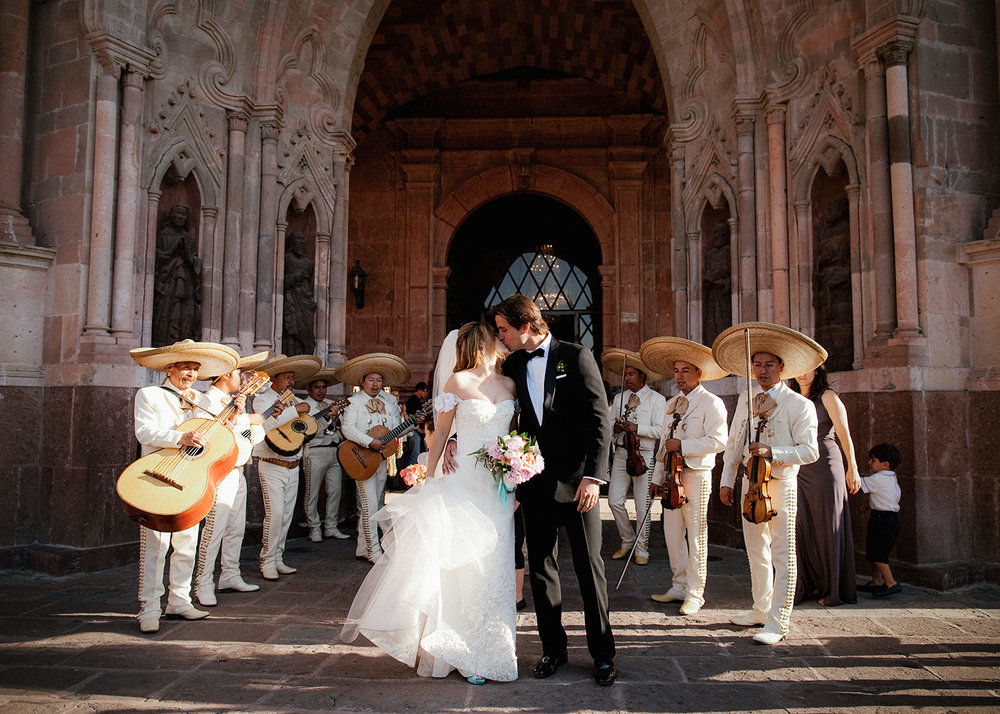 Stunning Wedding with Street Processsion - San Miguel de Allende, Mexico