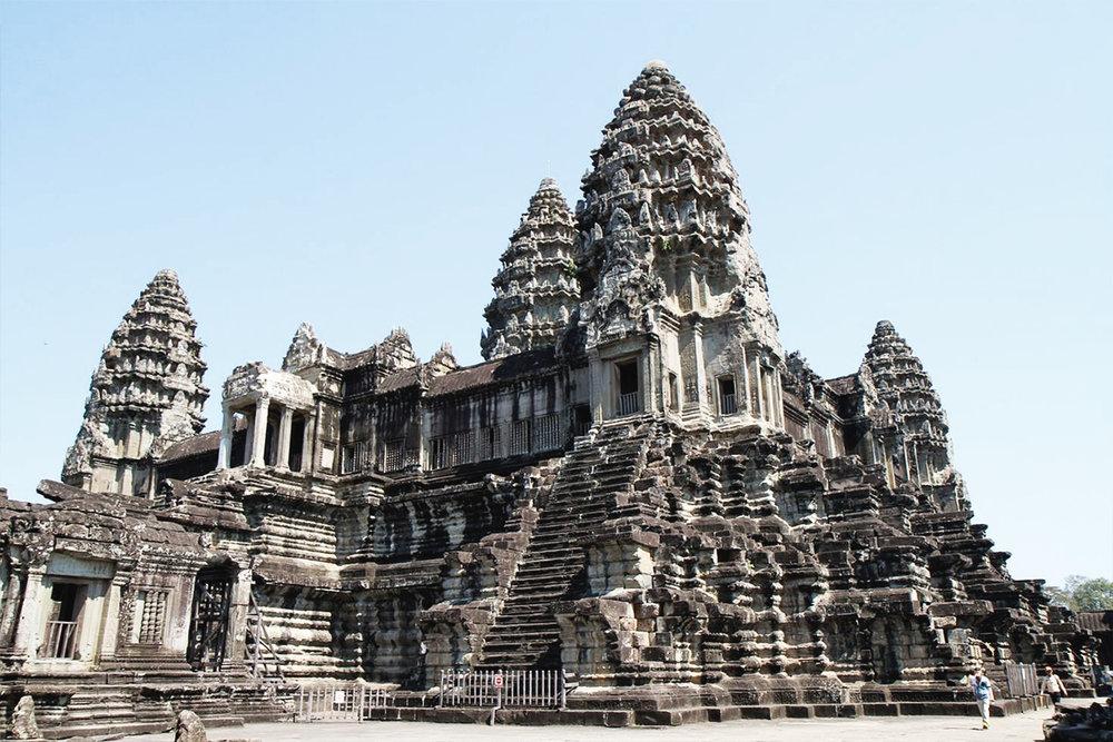 Angkor Wat (1120 AD)