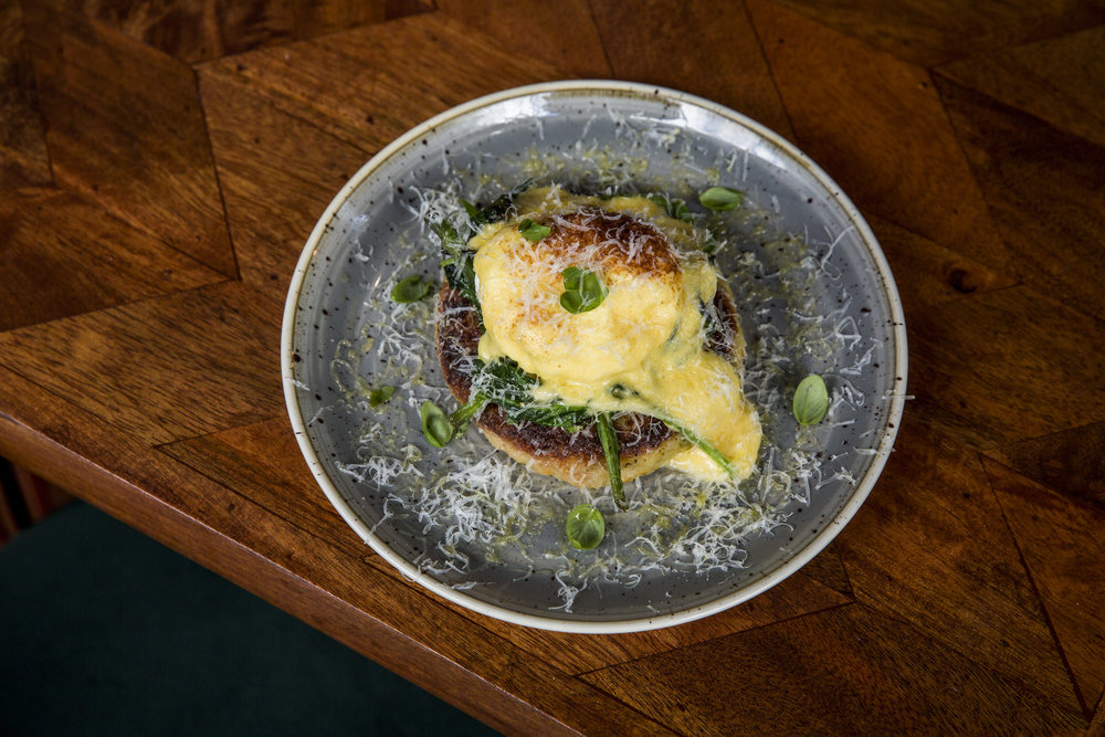 SPINACH, POACHED EGG + HOLLANDAISE ROSTI