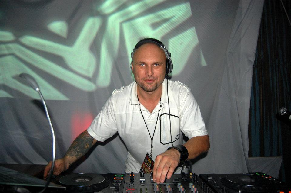 DJ CHRIS MAYHEM