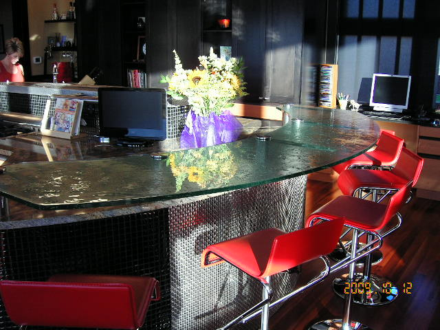 Curved Fusion Glass Bar Top