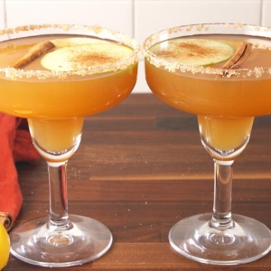 gallery-1507329169-delish-apple-cider-margaritas-pinterest-still003.jpg