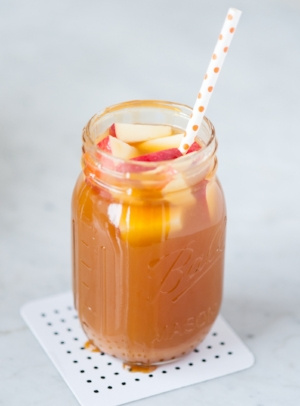 caramel-apple-sangria.jpg