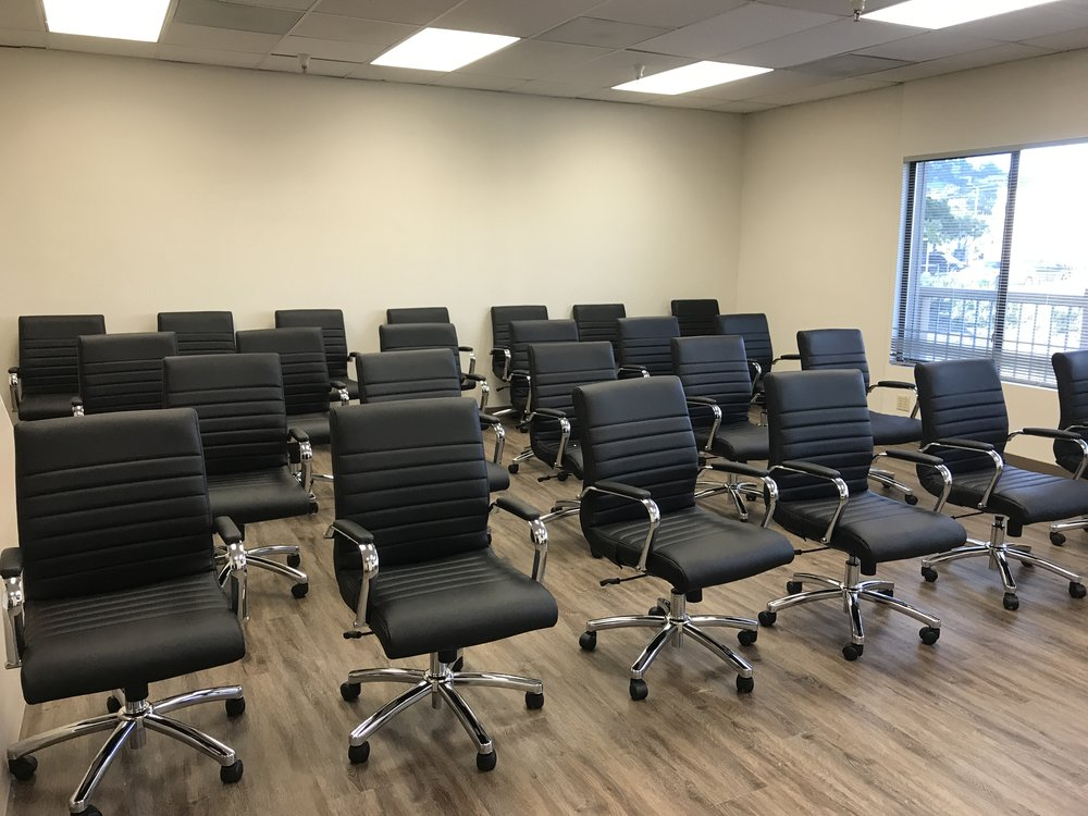 Extra large conference room - Open style seating