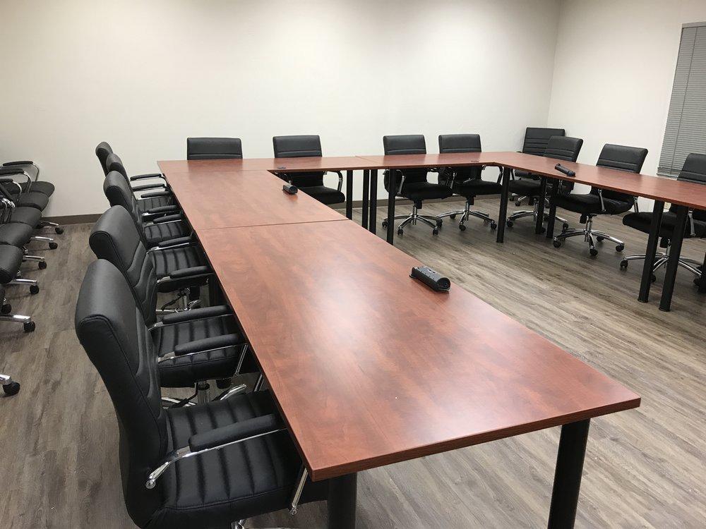 Extra large conference room - Large U configuration