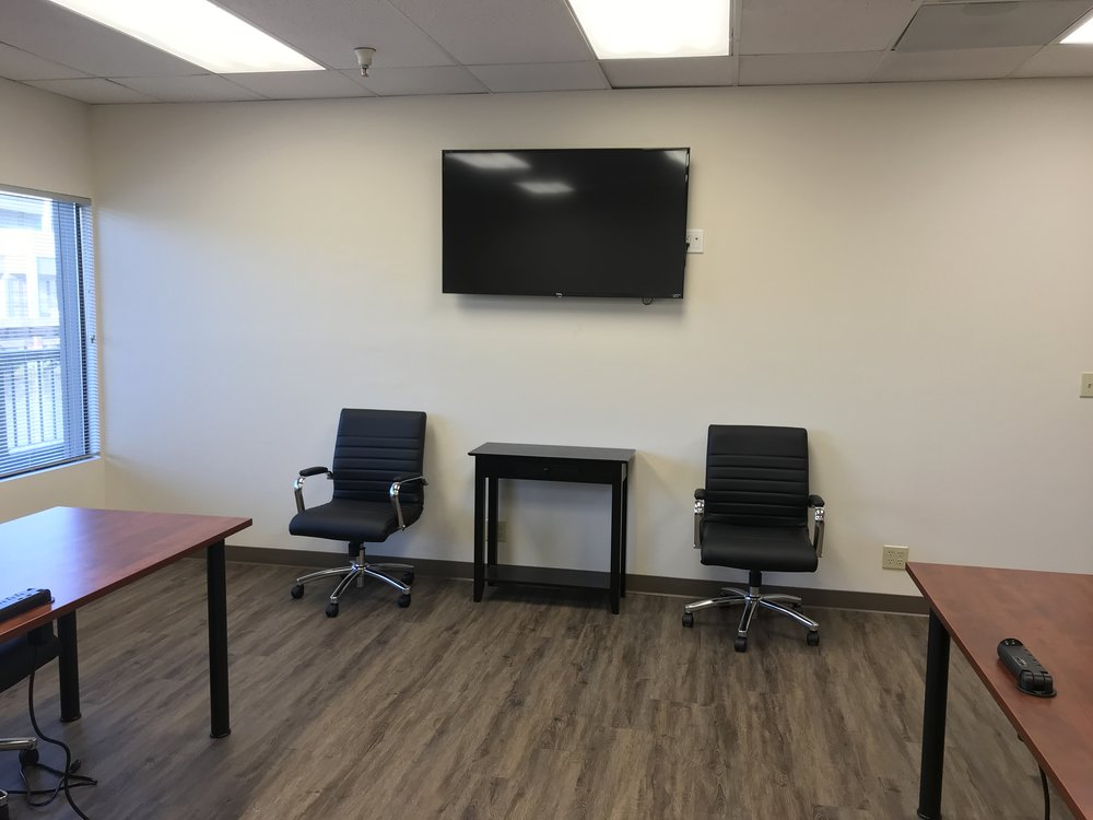 "Extra large conference room - 55"" video conferencing"