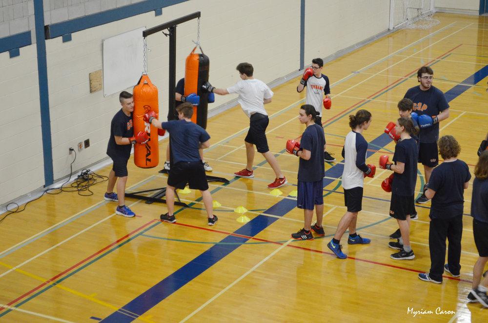 Cours de boxe au Collège Saint Paul