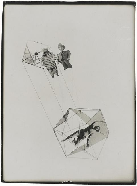 Laszlo  Moholy-Nagy,  (1895-1946) © ARS, NY    Die Korsettenstangen  (The Corset Hangers), 1927. Photograph / Collage. Inv. No: F 1989/68.    Location:   Staatsgalerie, Stuttgart, Germany    Photo Credit:   bpk Bildagentur / Art Resource, NY    Image Reference:   ART517793