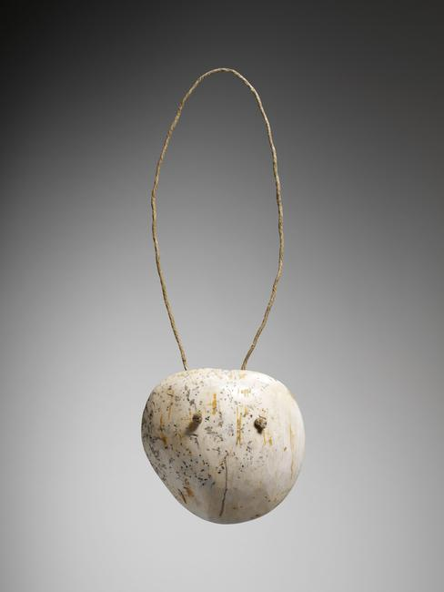 Necklace. Canada, Great Lakes, Huron people, 18th CE. Shell, copper, glass (?), 37 x 14,5 x 4,3 cm, 249 g. 71.1934.33.36 D. Photo: Valérie Torre.    Location:   Musee du Quai Branly - Jacques Chirac, Paris, France    Photo Credit:   © musée du quai Branly - Jacques Chirac, Dist. RMN-Grand Palais / Art Resource, NY    Image Reference:   ART529951
