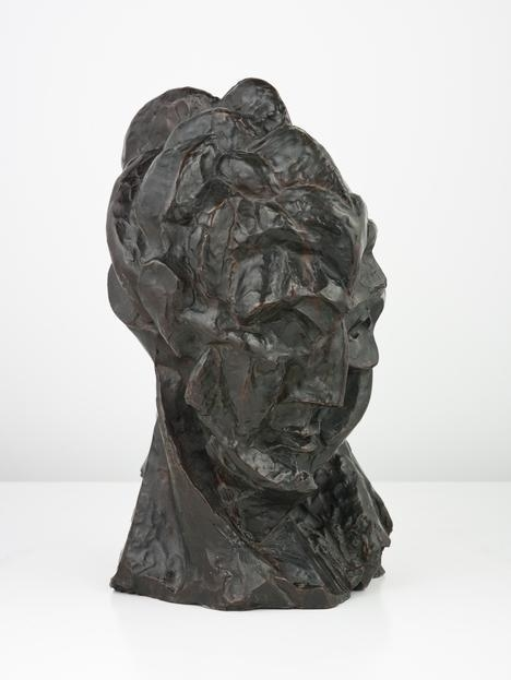 Pablo   Picasso,(1881-1973) © ARS, NY    Head of a Woman ( Fernande), autumn 1909. Bronze, 16 1/8 x 9 7/8 x 10 9/16 in. (40.7 x 20.1 x 26.9 cm). Alfred Stieglitz Collection, 1949.584.    Location:   The Art Institute of Chicago, Chicago, U.S.A.    Photo Credit:   The Art Institute of Chicago / Art Resource, NY    Image Reference:   ART527894