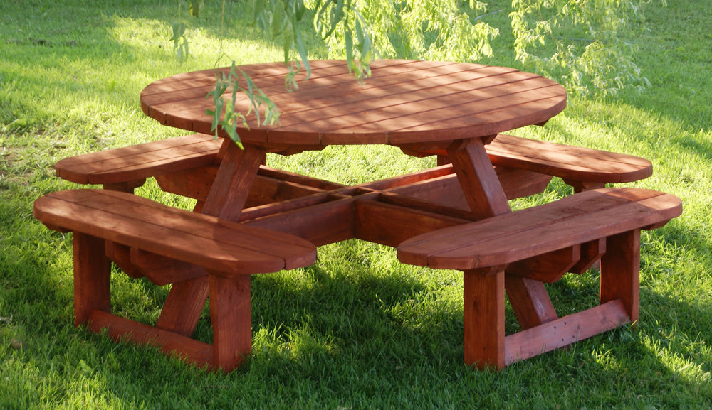 Round Picnic Table #220.jpg