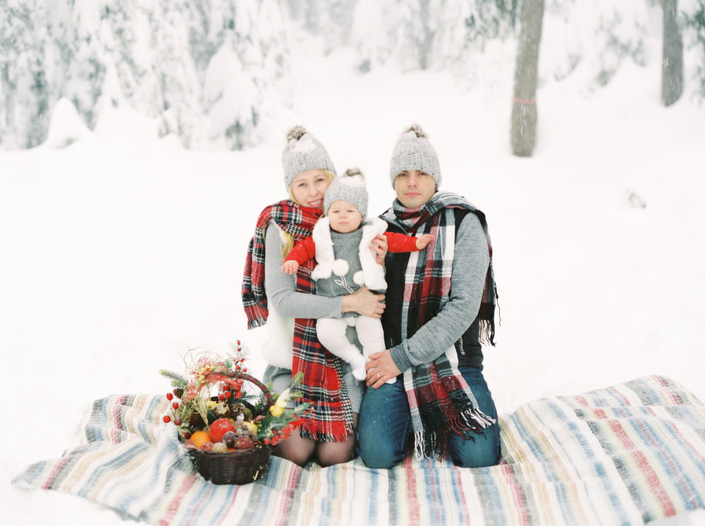 Family Winter Photoshoot on Grouse Mountain.jpg