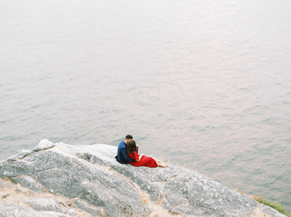 Fall Whytecliff Park Engagement Session.jpg