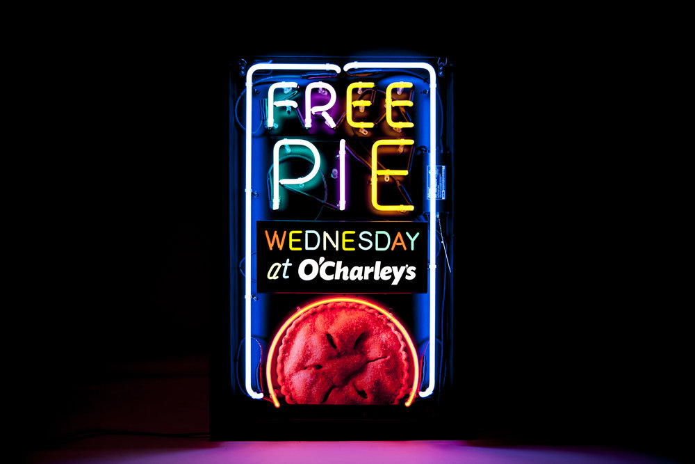 "bohan | O'Charley's ""Free Pie Wednesday"" neon sign fixture"
