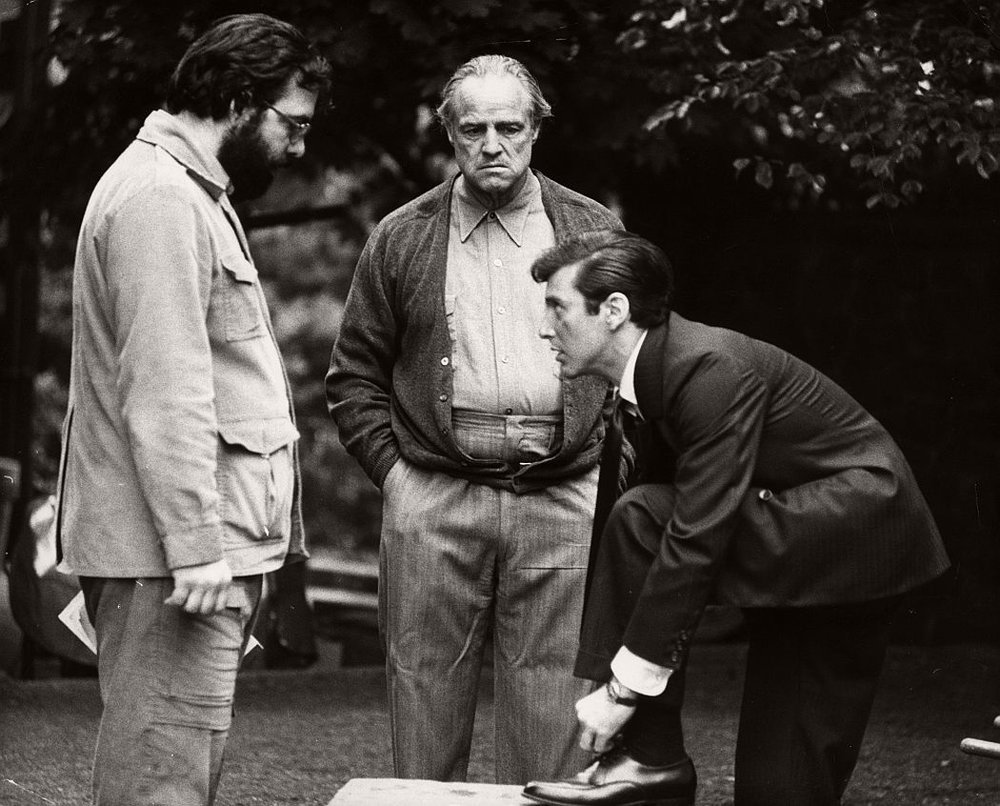 the-godfather-1972-behind-the-scenes-francis-ford-coppola-marlon-brando-al-pacino-01.jpg