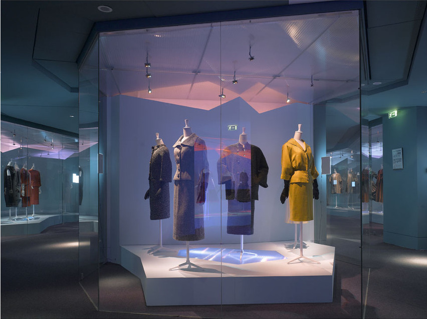 Balenciaga at Musée De La Mode et du Textiles, 2006-2007 / Photo: Luc Boegly