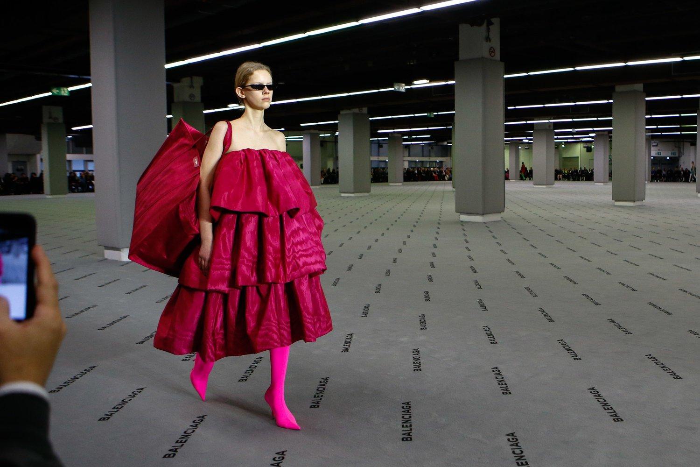 2616c6177c4 AW17: Gvasalia Goes Big for Balenciaga's 100th Anniversary — Carmen Busquets