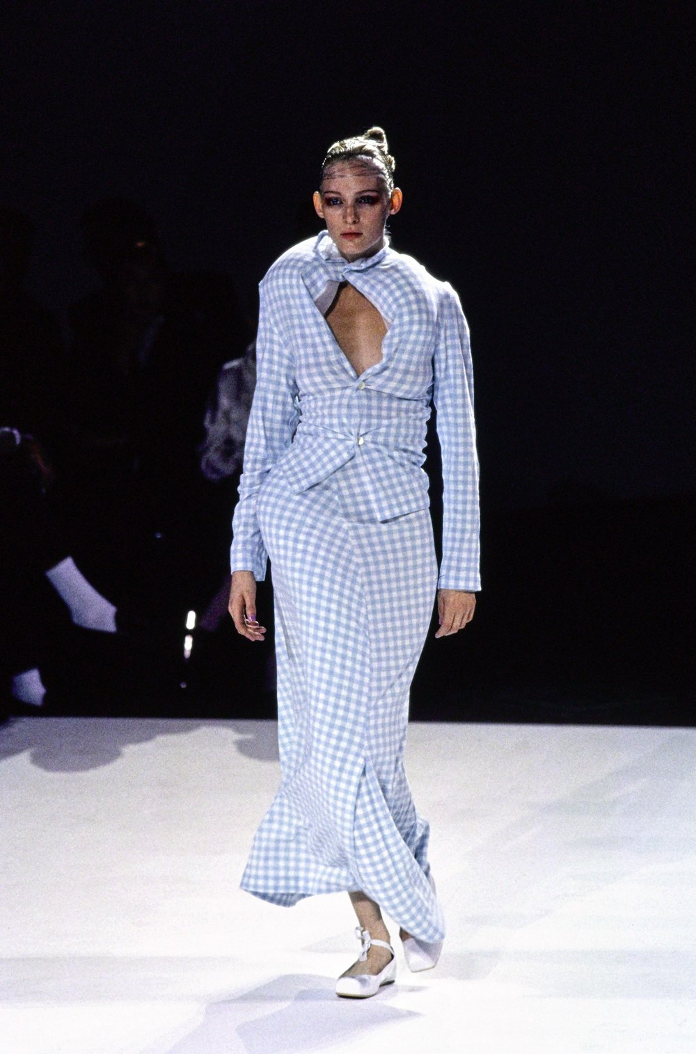 A look from Comme des Garçons SS 1997 which fondly became known as the 'lumps and bumps' collection / Photo: vogue.com