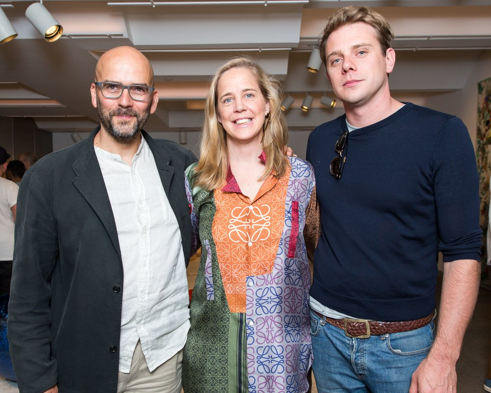 Ernst Gamperl with Sheila Loewe and Loewe Creative Director Jonathan Anderson / Photo: Benjamin Lozovsky/BFA.com
