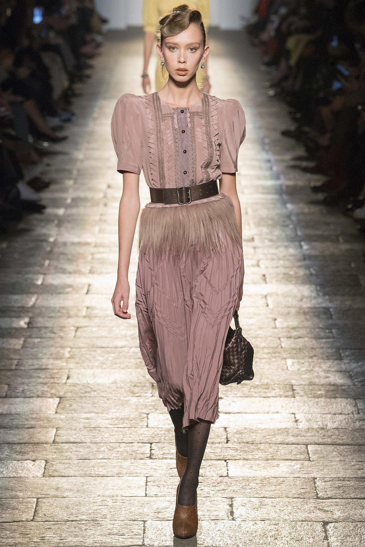 Tomas Maier's designs for Bottega Veneta reflect a constant house style / Photo: vogue.com (AW17)