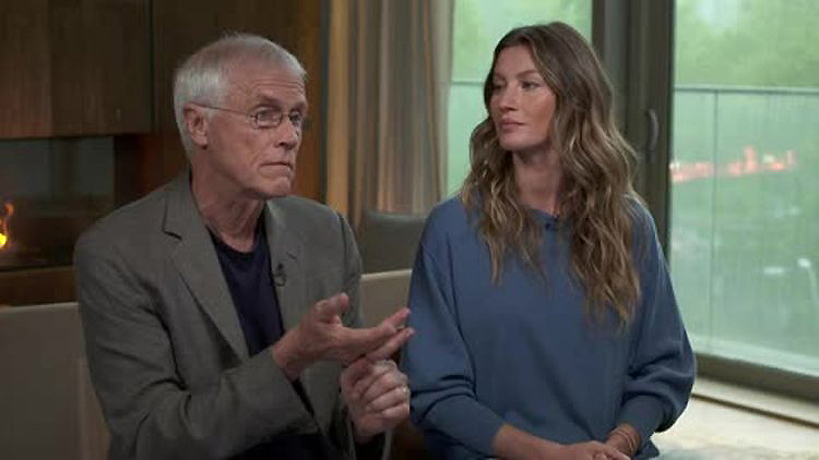 Last year Gisele Bündchen joined environmentalist Paul Hawken to promote his book 'Drawdown'.