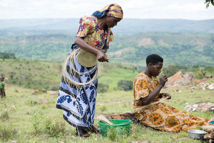 The Little Market partners with organizations such as WomenCraft which works with artisans across villages in Tanzania, Burundi and Rwanda / Photo: WomenCraft