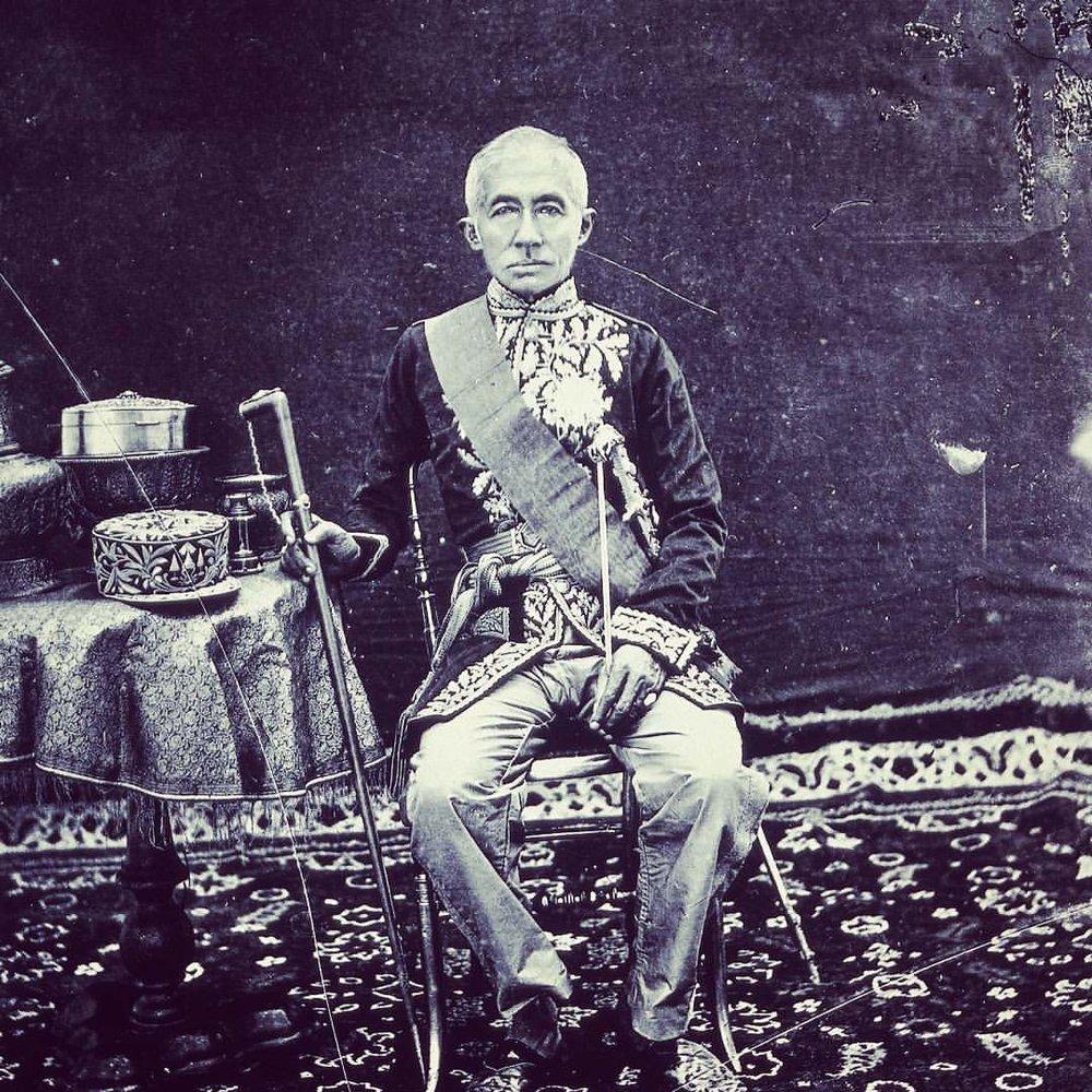 H.M. King Mongkut, King Rama IV / Bangkok (1865) /The Wellcome Library, London.