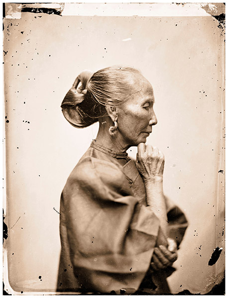 An old Cantonese Woman, Guangzhou, Guangdong (1868–70) / The Wellcome Library, London.