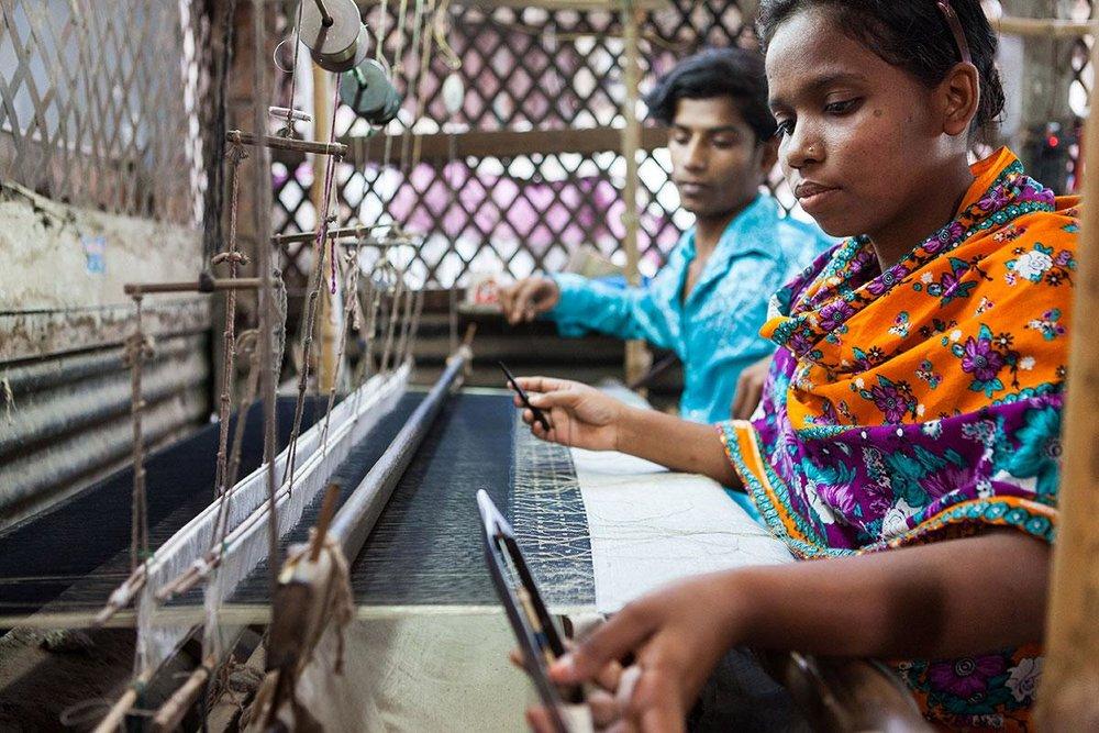 Weaving fabric in Bangladesh / Photo: Shutterstock